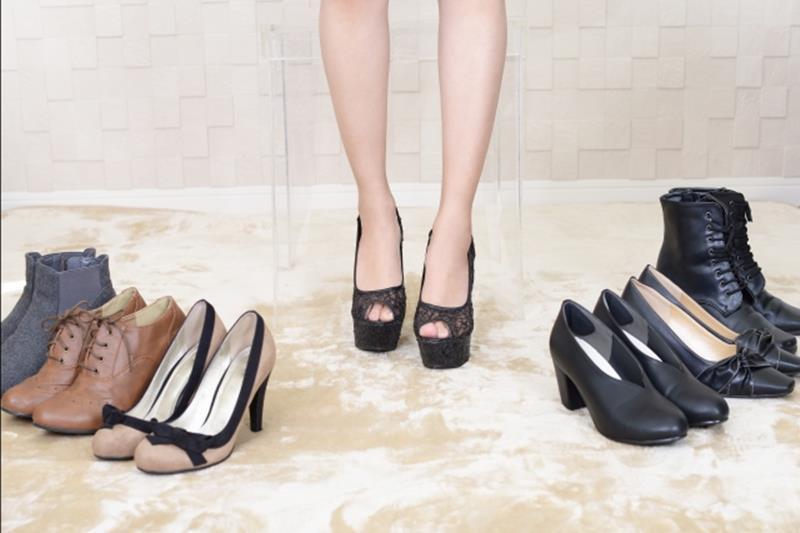 オフィスカジュアルの靴でパンプス以外のブログ画像